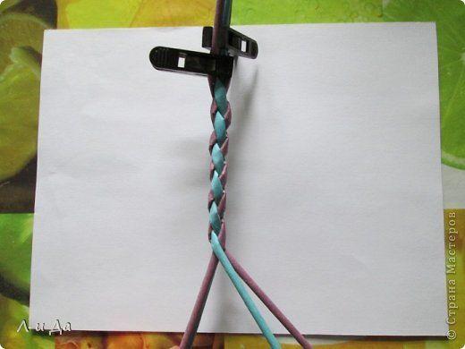 Мастер-класс Поделка изделие Плетение Четырёхгранный двухцветный шнур Ручка для плетёных корзинок Трубочки бумажные фото 14