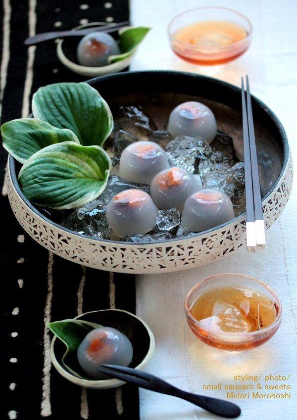 杏と小豆の水まんじゅう の画像|モード系*和菓子 + 器 のテーブルスタイリング