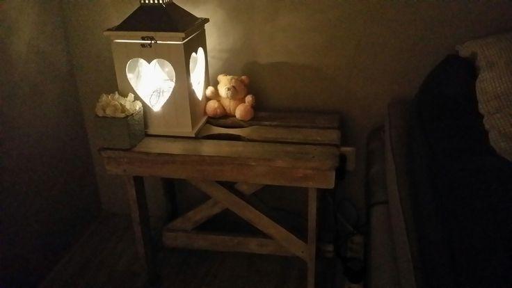 krukje gekocht op rommel markt ,in de witte kalkwas gezet ,leuk voor nacht kastje
