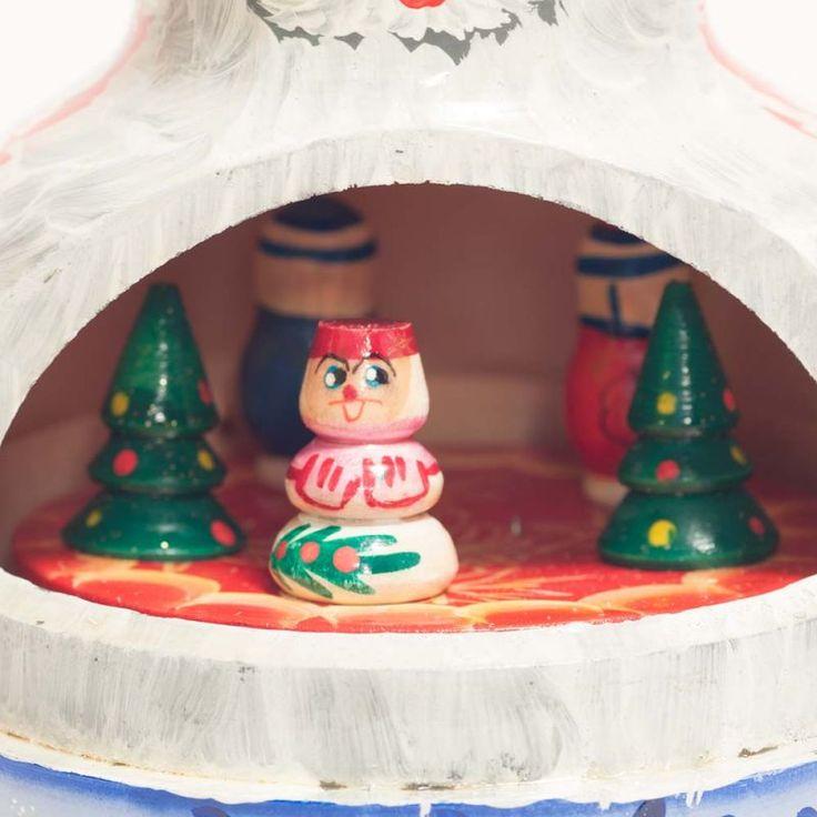 Santa Russian Christmas Music Box - Russian Crafts