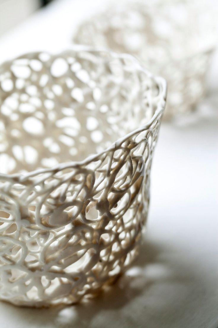 Candel holder in porcelain.