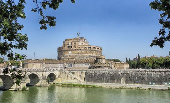 Was die Region Latium für einen Urlaub in Italien anzubieten hat. Reiseziele, Sehenswertes, Highlights, Naturschutzgebiete, Strände und regionale Küche. http://www.italien-inseln.de/italia/latium-lazio/urlaub.html