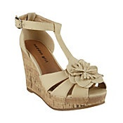 .Kolasso Wedges, Summer Shoes, Modern Comforters, Girls Kolasso, Tippi Toes, Steve Madden, Madden Girls, Bm Shoes, Madden Shoes