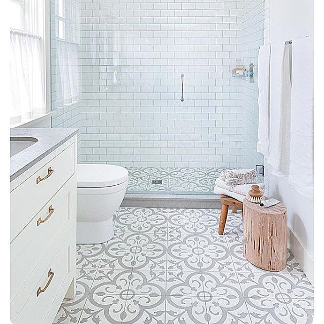 Interior bathroom   www.normandeauwc.com
