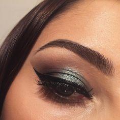 I used @anastasiabeverlyhills eyebrow cakes @maccosmetics concealer @artdeco_cosmetics mascara @morphebrushes @urbandecaycosmetics @juviasplace eyeshadow palette @nyxcosmetics_hrvatska eye liner #makeup #lovemakeup #myjob #lovemyjob #makeuplover #makeupartist #makeuolook #anastasiabeverlyhills #nyxcosmeticshrvatska #artdeco #morphe #illamasqua #lovelovemakeup #juviasplace #urbandecayhrvatska