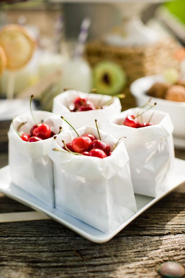 #cherries: Cherries Red, Cherries Yum, Foodies Lovers, Paper Bags, Sweet Cherries, Food Inspiration, Foodies Inspiration, Cherries Cherries, Summer Snacks