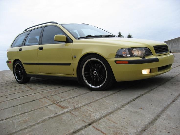 V40 2001