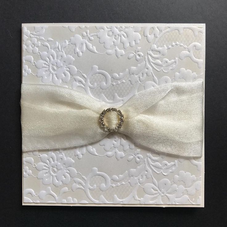 Beautiful embossed luxury papers with the softness of organza bridallook http://gelinshop.com/ipost/1525812756249350666/?code=BUsxp4iAJIK