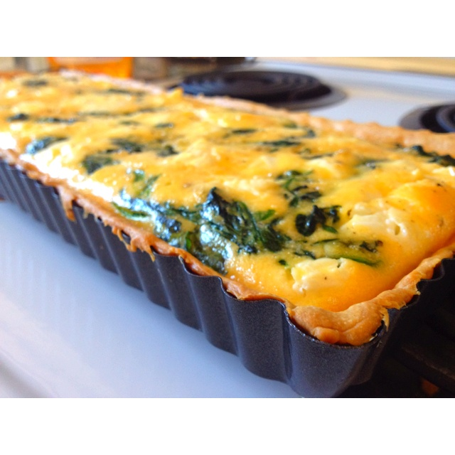 What feta way to spend a lazy Sunday? How bout a spinach & feta quiche!