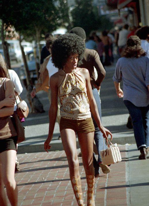 Le Fashion Blog 1970s 70s Street Style Vintage Photos Paisley Print Halter Top Shorts Via Tres Blase