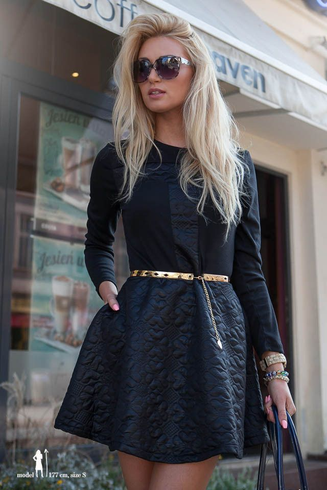 Sukienka czarna, pikowana http://fasardi.com/product-pol-9796-Sukienka.html
