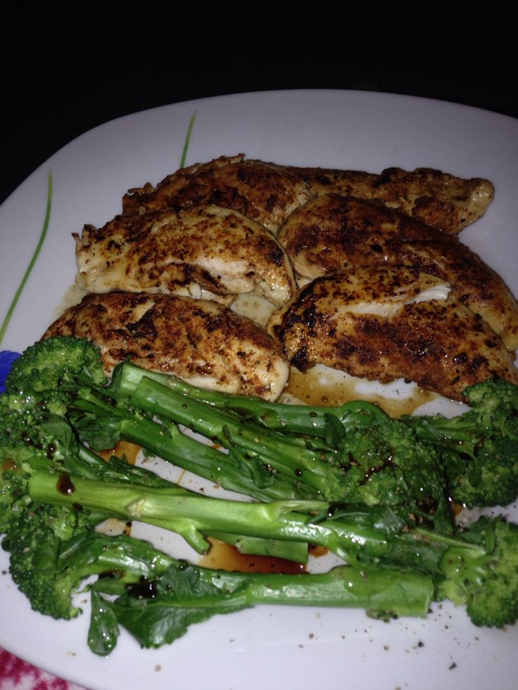 Keeping it simple. Chicken mini fillets with steamed tenderstem broccoli Step 2