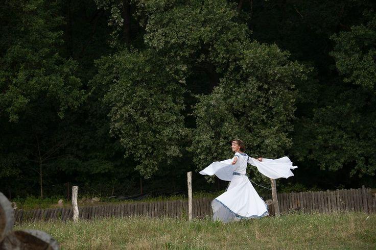 """Mittelalter Hochzeitskleid """"Schwan"""" so atmosphärisch!"""