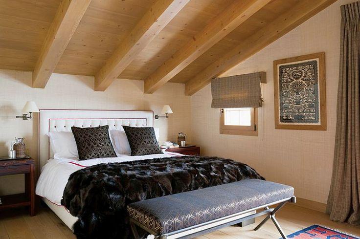 Sprawdź trendy wnętrzarskie 2018 roku na weranda.pl! #trendy #2018 #wnętrza #domy #sypialnia #salon #łóżko #meble #sofa #kanapa #brąz #nowoczesne #wzory #geometryczne #narzuty #poduszki #styl #nowoczesny  #design #interior #modern #colors #room #house #green #brown #stylish #pillow #trends
