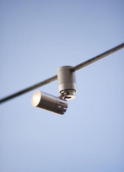 catenaria di luce serpentine | Alvaline | Viabizzuno progettiamo la luce