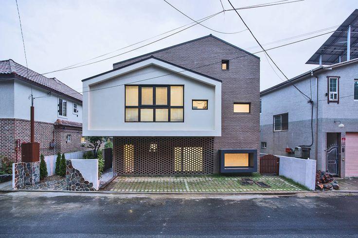 창원 재미있는 집 : 모던스타일 주택 by 유타건축사사무소