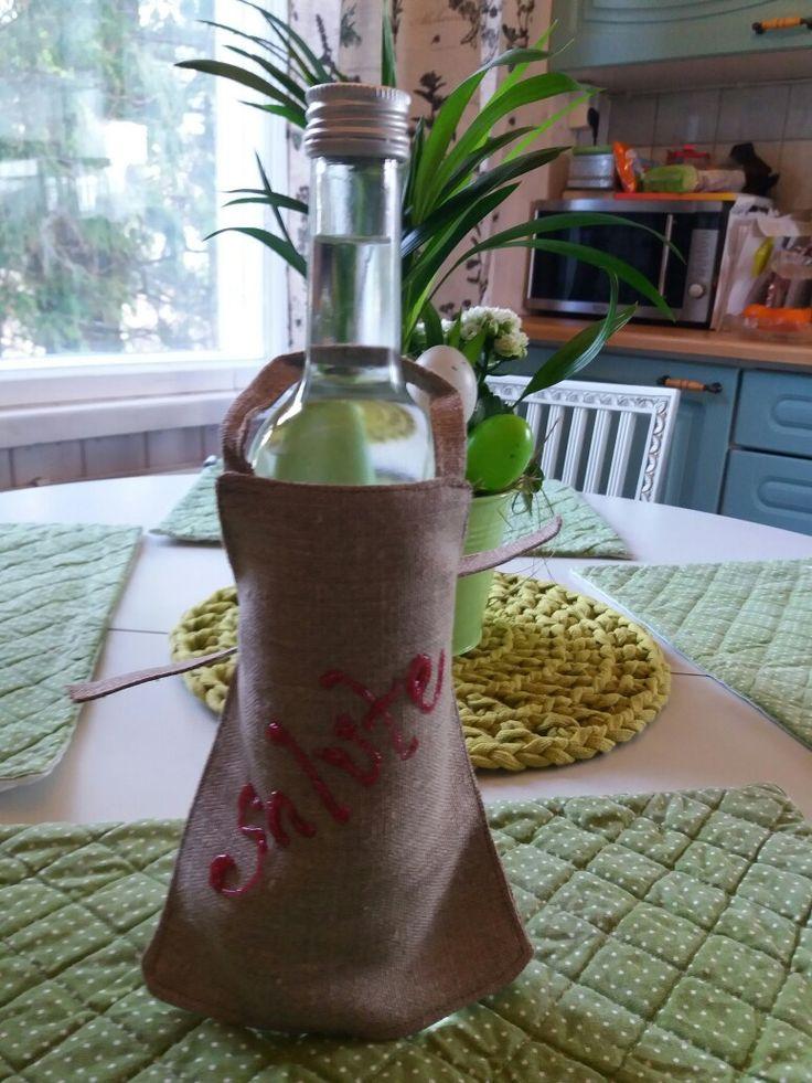 Bottle apron