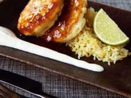 Fiskbiffar med stekt ris och persikochutney – Allt om Mat