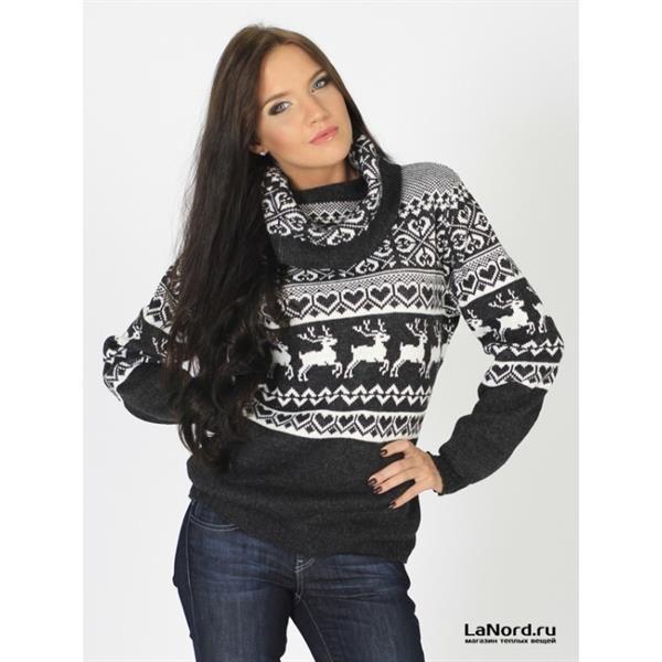 Женский свитер с оленями купить