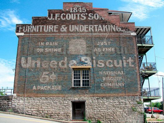 maybe one day i'll have my own studio space and will have the entire exterior painted with some sweet old-timey looking ad!