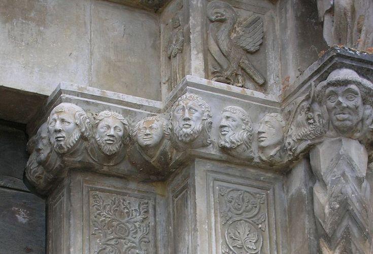 File:Facciata chiesa tossicia.jpg
