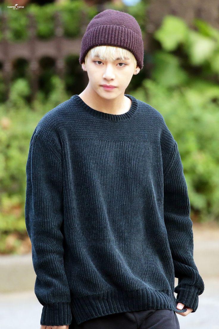 Kim Taehyung © VAMPIRE TAETAE | Do not edit.