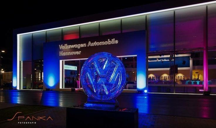Michael Jürgens | XING Gesamt-Konzeption und Umsetzung der Eröffnung des neuen VW Autohauses in Hannover an der Podbi 295. VIP-Gala mit 250 geladenen Gästen.