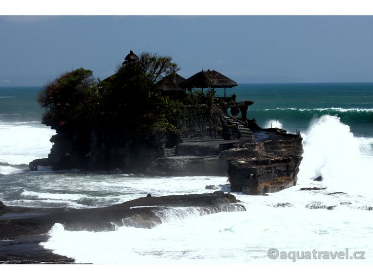 Tanah Lot nejstarší hinduistický chrám na Bali