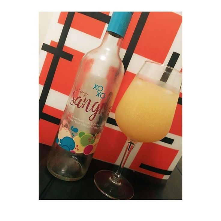 White wine with orange juice to make a cute mixed drink.  #wine #whitewine #sangria #fruits