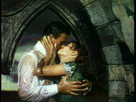 Kiss!  Maureen O'Hara y John Wayne - 1952 - El hombre tranquilo (The Quiet Man) - John Ford