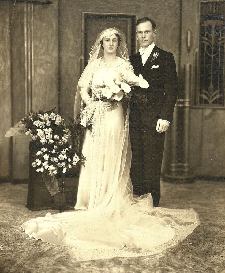 Vintage Wedding Dresses Chicago: Robert & Helen (Hoppe) Roegge