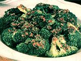 Tumis brokoli: 500 gr brokoli,7 buah cabe kering,2sdmakan saos tiram,1/2 sendok teh kaldu ayam bubuk,3 siung bawang putih, 5 sendok makan air,Minyak sayur untuk menumis.Potong2,brokoli sesuai kuntumnya, rendam dalam air garam selama 5 menit dan tiriskan. Panaskan minyak sayur lalu tumis bawang putih & cabe merah kering yang telah di cincang halus hingga harum, tuangkan sedikit air. Masukkan brokoli, saos tiram dan kaldu ayam bubuk. Aduk-aduk hingga brokoli matang. Angkat siap di sajikan.