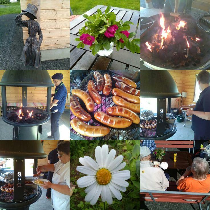 18.7.2017 oli Juvakodilla grillijuhlat vanhuksille ja ruokasalin asiakkaille! Makkarat paistui ja aurinko paistoi! Nyt on kesä!!!🙌💗🌻