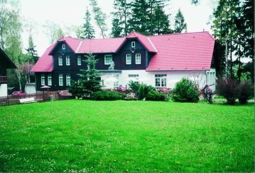 Harz Resort Waldesruh - 3 Star #Hotel - $99 - #Hotels #Germany #Allrode http://www.justigo.com.au/hotels/germany/allrode/harz-resort-waldesruh-gmbh_222236.html