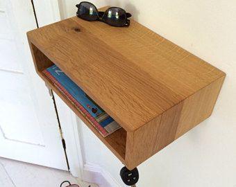 Moderne portiek organisator / nachtkastje / zwevende planken in White Oak met magnetische sleutel haken