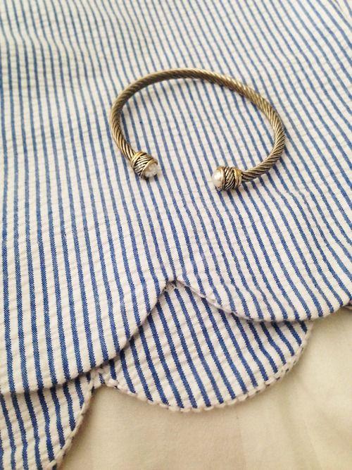 Seersucker scalloped skirt// David yurman bracelet
