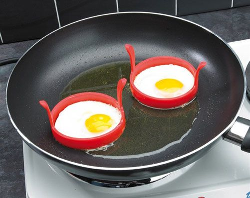 Silicone Egg Frying Rings £5  Egg o'clock 🍳  Made from heat resistant silicone, these two non-stick egg rings will ensure you have perfectly round fried eggs each and every time. They stock your eggs from running into one another and keep them separate whilst cooking. Kleeneze