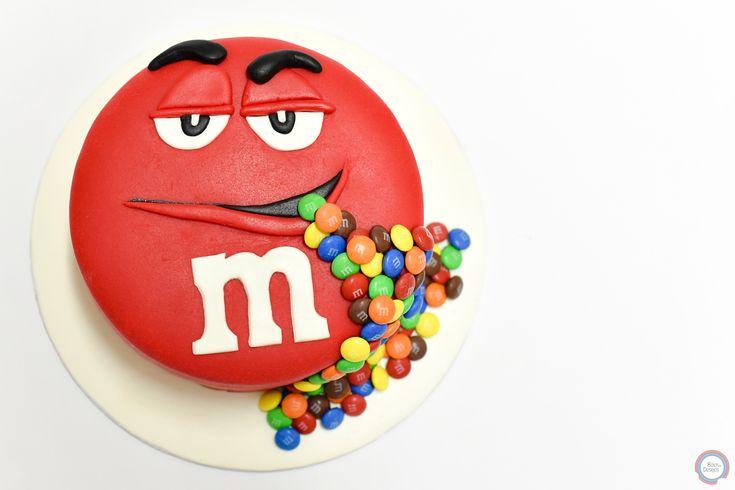 M&M Cake   #mms #mmscake #redmmscake #mmscakes #bolosedesejos #cakedesign #cakedecorating #cakedecorator #cake #sweettooth #foodpics #tasty #delicious #delish #dessert #dessertporn #dessertgram #dessertlover #yummy #instagood #instafood #instacake #cakedesigner #food #desserts #amazing #sweet #foods #foodporn