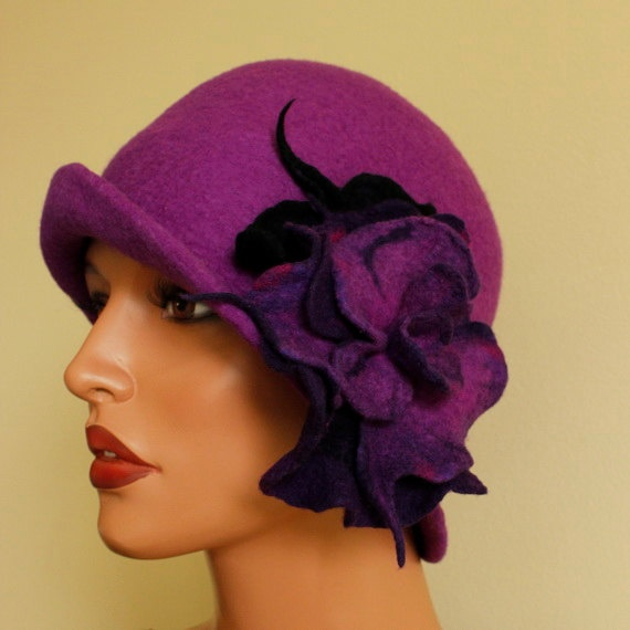 Purple hat with  brooch, felt hat,  shades of purple, violet, elegant , merino wool
