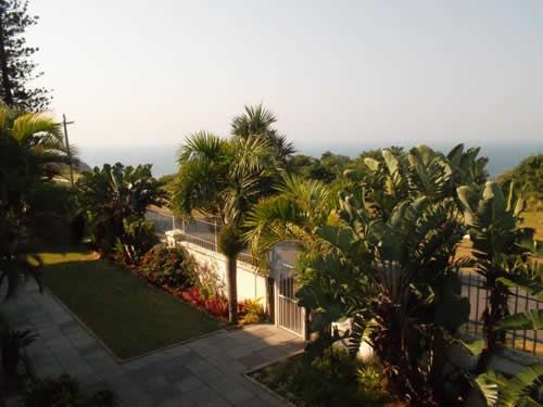 Krivara Guesthouse (Bluff) - is located in the tranquil, serene settings of South Durban. Situated on a ridge overlooking the Indian Ocean Krivara Guesthouse provides breathtaking views of both the ocean and the greater Durban area.