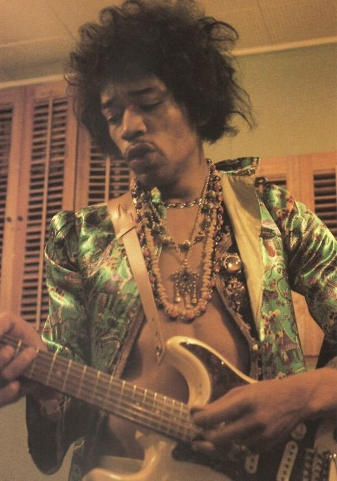 an introduction to jimi hendrix a rocknroll legend His discovery of a young jimi hendrix in a new york club would the man who discovered jimi hendrix promising an introduction to his hero.