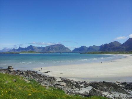 Dream beach, some ladies took a swim in the ocean :-)