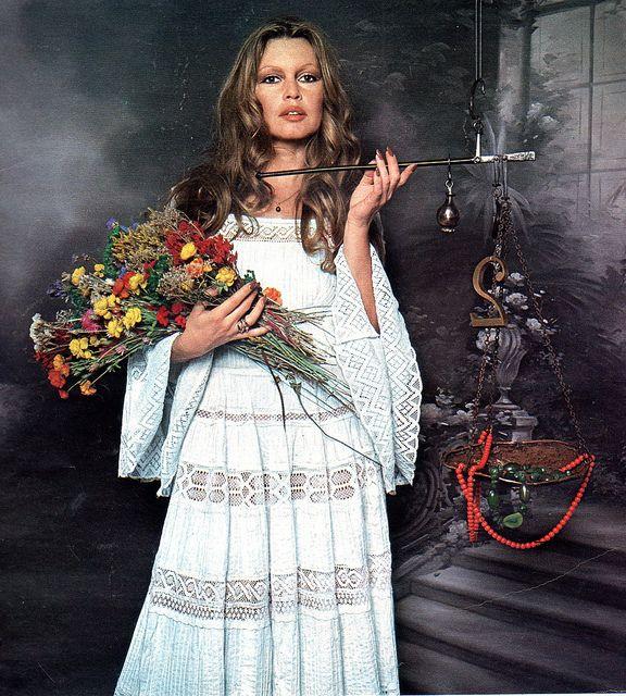 Best 25+ Printed Wedding Dress Ideas On Pinterest