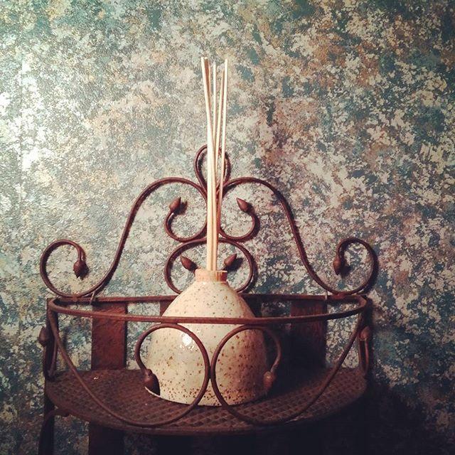 #ceramics #keramiek #handmade #handgemaakt #pottery #homedecor #decoration #geurstokjes #clay #klei #home #geuren #decoratie #huis #fragrance #homefragrance