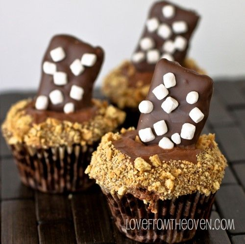 PEEPS cupcakes and S'mores cupcakes!Marshmallows Cupcakes, Chocolates Marshmallows, Yummy Food, Sweets Recipe, Baking, Savory Recipe, Chocolates Ooooooooooooo, Chocolates Dips, Cupcakes Rosa-Choqu