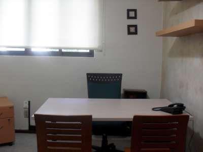 Configuración de escritorio principal con 2 mesas de trabajo usando colores más claros.