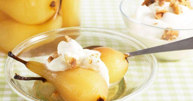 Recept på en variant av klassiska fikon i konjak med päron istället. Detta blir till en underbar efterrätt!