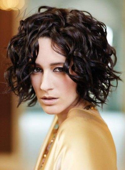 Tagli capelli ricci corti inverno 2014