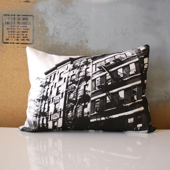 LAST CHANCE SALE  / New York City Pillow - Urban Throw Style no1 - Manhattan Architecture