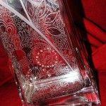 Egyedi tervezésű, strasszokkal kirakott váza